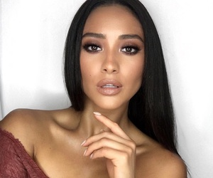 beautiful, emily fields, and wce image
