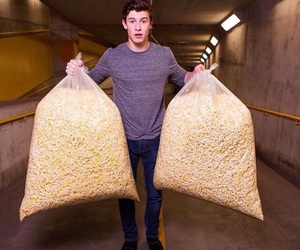 shawn mendes, popcorn, and shawn image