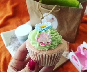 bath, bathroom, and cupcake image