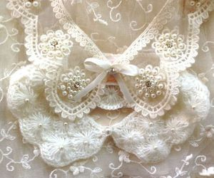 bow, lace, and romantic image