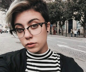 androgynous, girl, and hair image