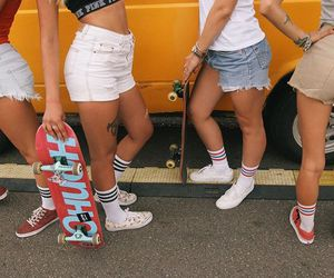body, style, and skate girl image
