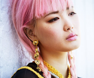 model, pink hair, and fernanda ly image