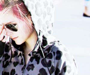 Avril Lavigne, pink, and sunglasses image