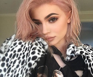 kylie jenner, beauty, and pink image