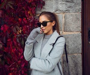 girl, autum, and fashion image