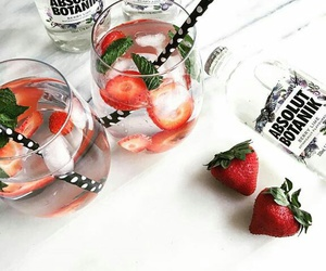 cocktail, drink, and strawberry image