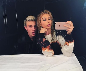 hailey baldwin, model, and friends image