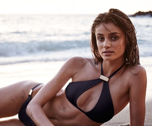 taylor hill, model, and body image