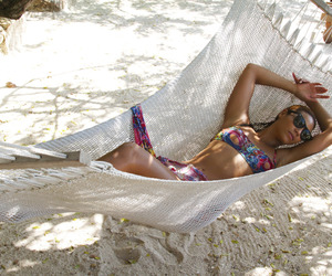 beyoncé, beach, and queen bey image