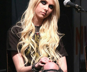 Taylor Momsen, tpr, and the pretty reckless image