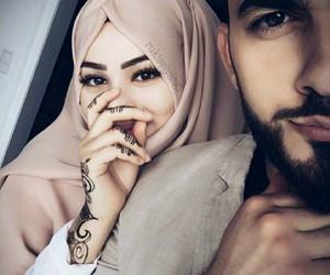 couple, lové, and hijab image