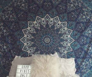 bedroom, cozy, and hippy image