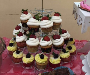 beauty, cool, and cupcakes image