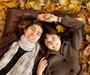 couple and fall image