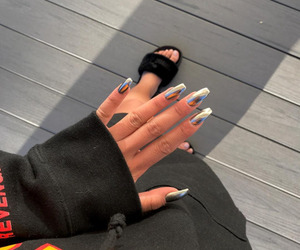 nails and puma image