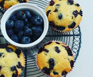 cupcakes and muffins image