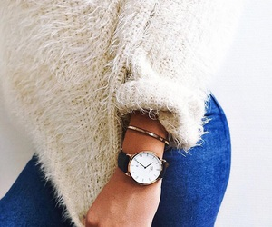 fashion, sweater, and accessoeriez image
