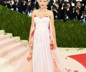 blake lively, met gala, and gossip girl image