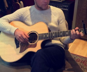 guitar, one direction, and niall horan image