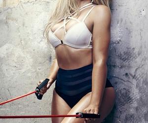 khloe kardashian, khloe, and kardashian image