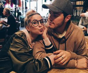 couple, zoella, and alfie deyes image