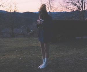 grunge, morning, and girl image