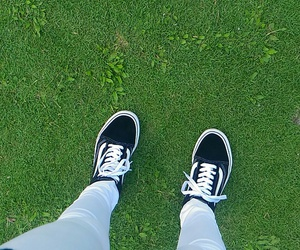 classic, offthewall, and grass image