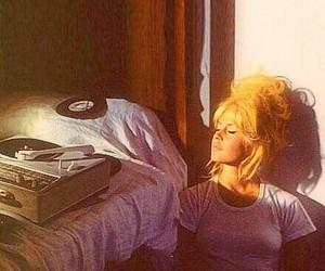 vintage, brigitte bardot, and vinyl image