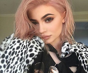 kylie jenner, pink, and beauty image