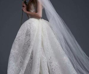 dress, Vera Wang, and bride image
