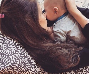 briana, louis tomlinson, and baby image