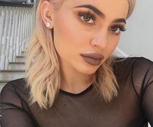 kylie jenner, blonde, and makeup image