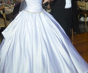 wedding dress, sweetheart neck, and wedding gowns image