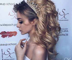 hair, style, and Prom image