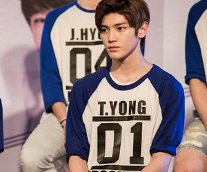 lee taeyong and nct image
