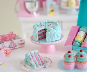 birthday, dolls, and miniatures image