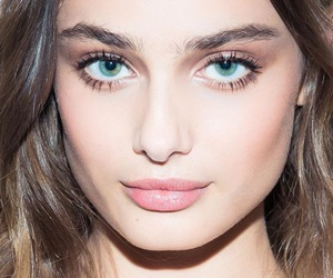 model, taylor hill, and gorgeous image
