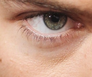 eye and Harry Styles image