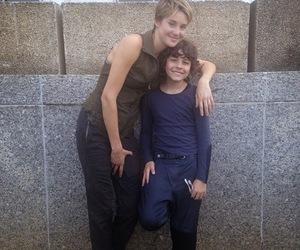 Shailene Woodley, emjay anthony, and divergent image