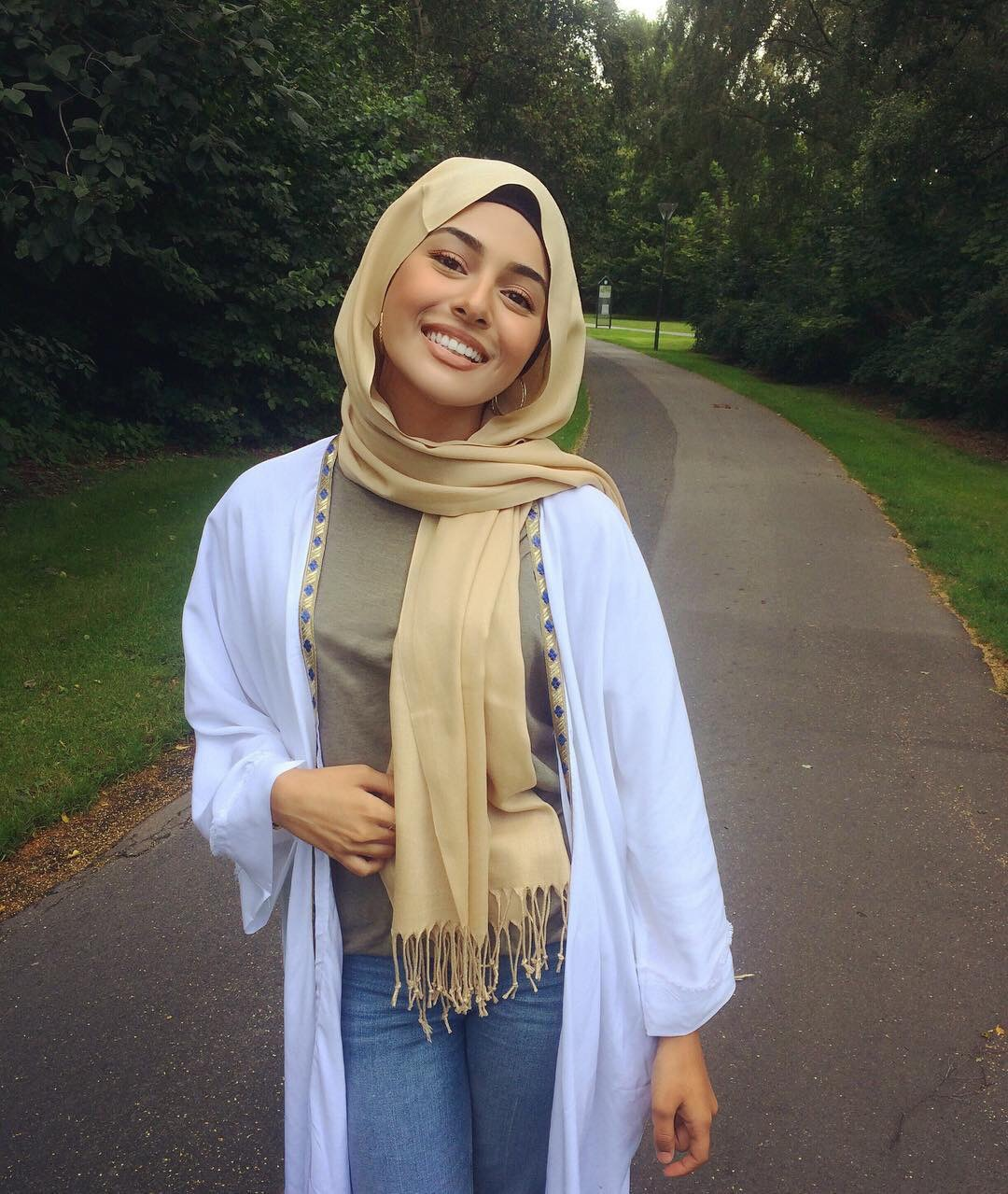 Fyne Girlz regarding 1000+ images about pretty hijab girls on we heart it   see more