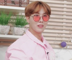 aesthetic, pink, and tae image