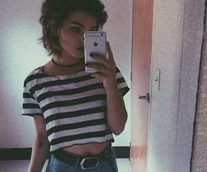 nia, nia lovelis, and hey violet image