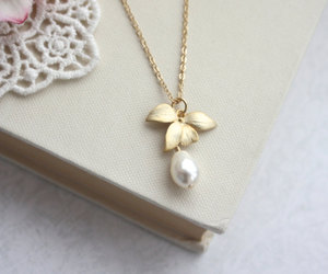 etsy, flower necklace, and wedding jewelry image