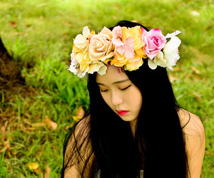 flower crown, wedding, and hair accessory image