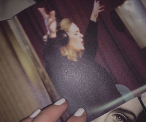 Adele, singer, and Queen image