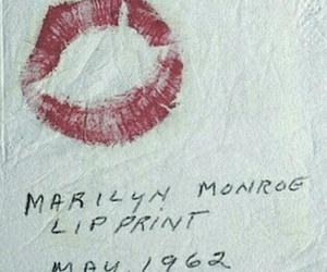 Marilyn Monroe, kiss, and vintage image