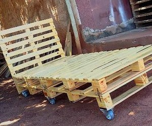 pallet bed ideas, pallet bed projects, and pallet bed plans image