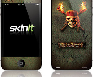 iphone and pirates of caribbean image
