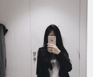 girl, grunge, and iphone image